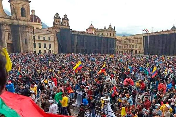 Colombia: la represión salvaje no frena el levantamiento de masas. ¡Continuar hasta echar al gobierno asesino de Duque!